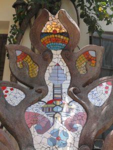 escultura-con-mosaico