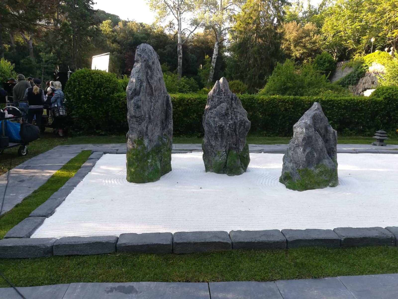 Jardin Mineral Zen Photo zen garden. fake stones for advertisment. barcelona, 2018